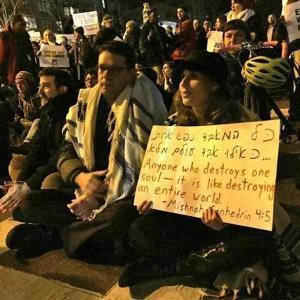 RabbisProtest